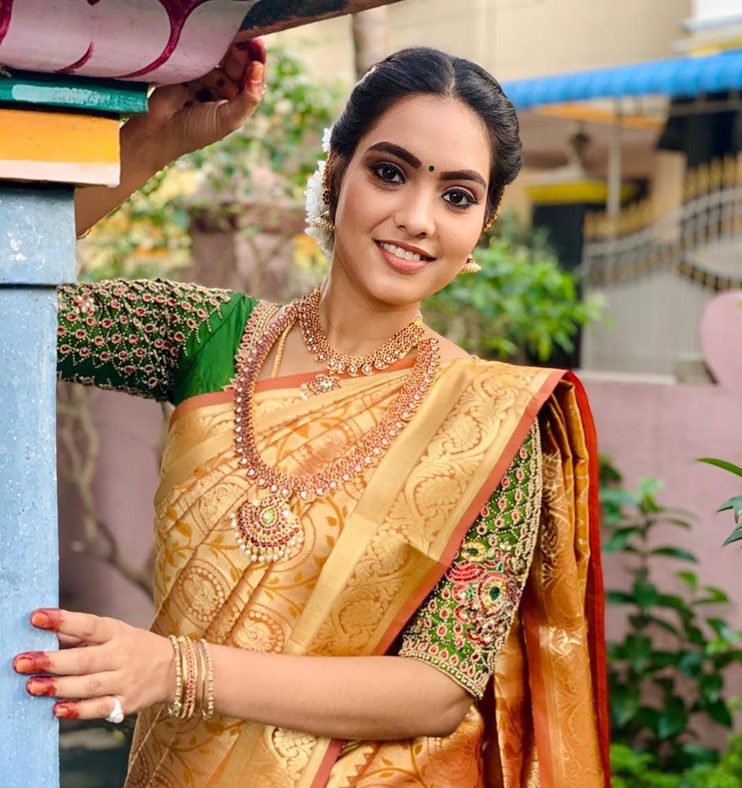 pavithra-janani-64715
