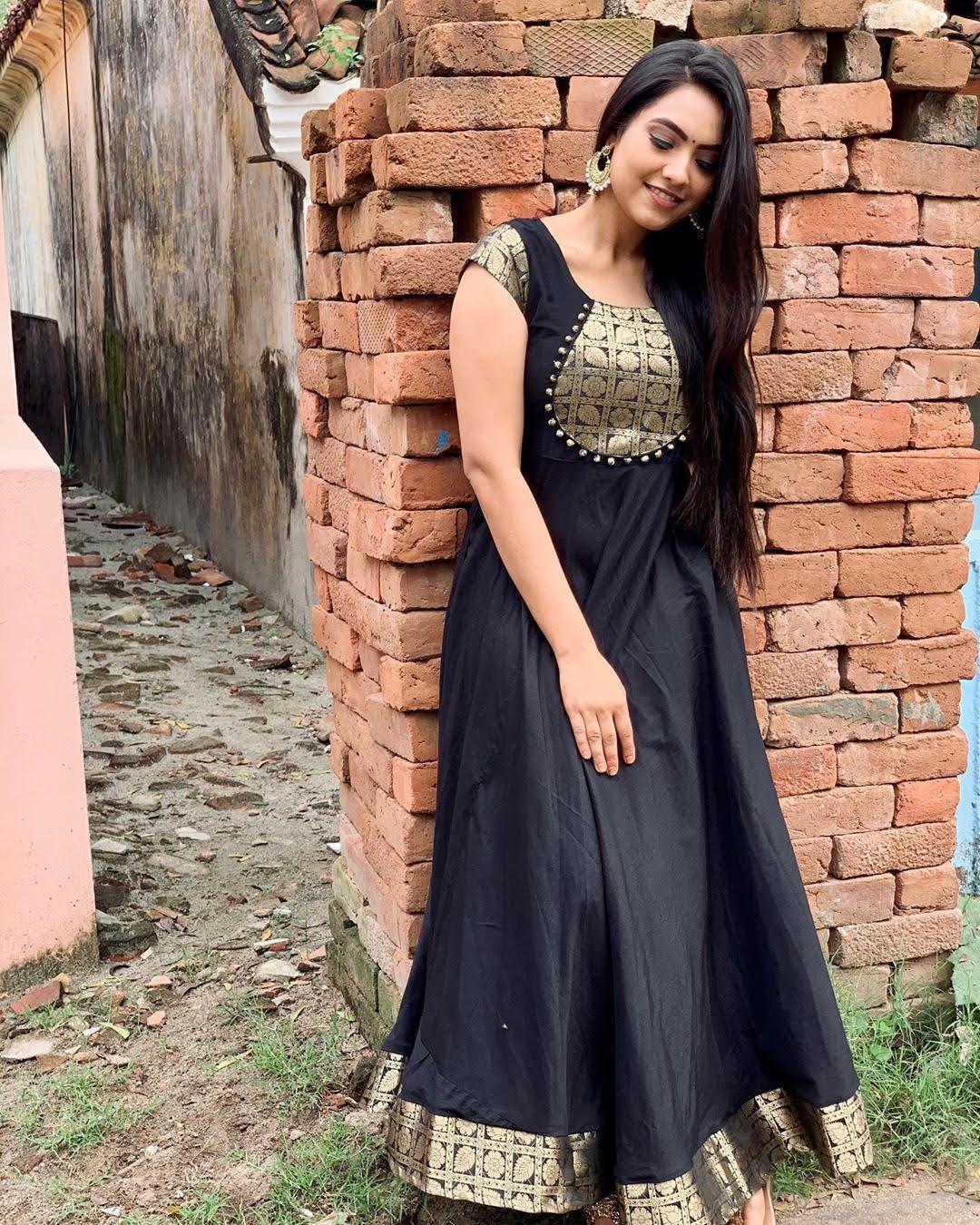 pavithra-janani-64766