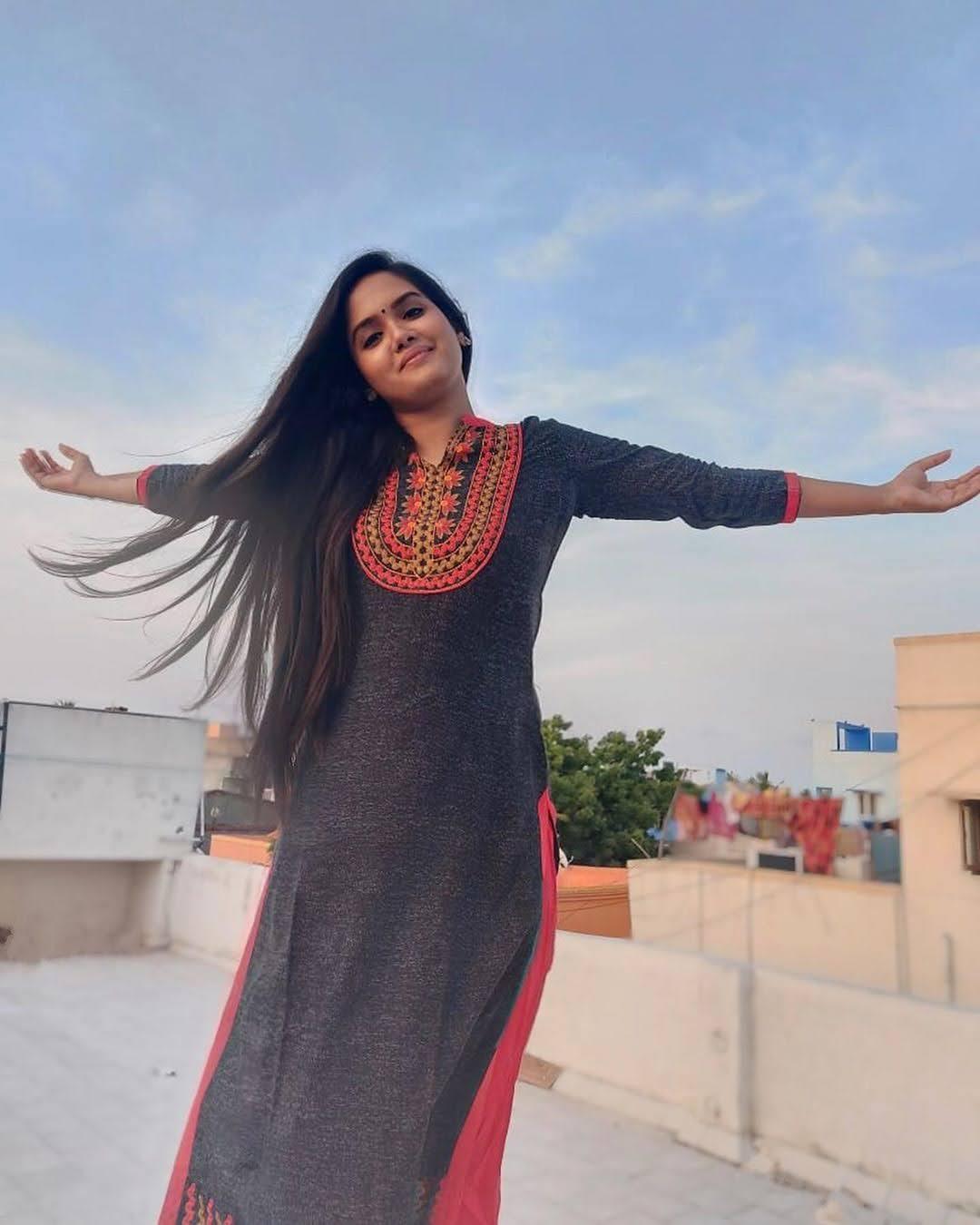 sai-gayatri-bhuvanesh-8683