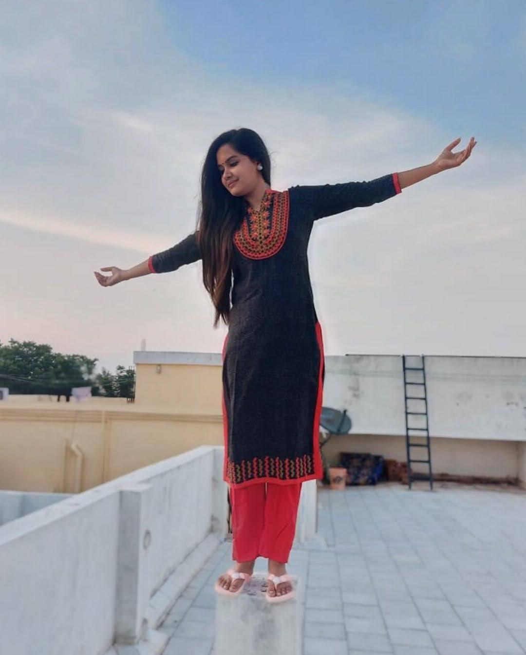 sai-gayatri-bhuvanesh-8687