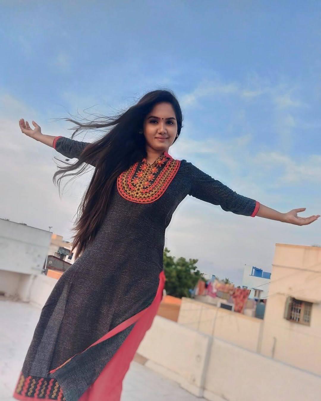 sai-gayatri-bhuvanesh-8688