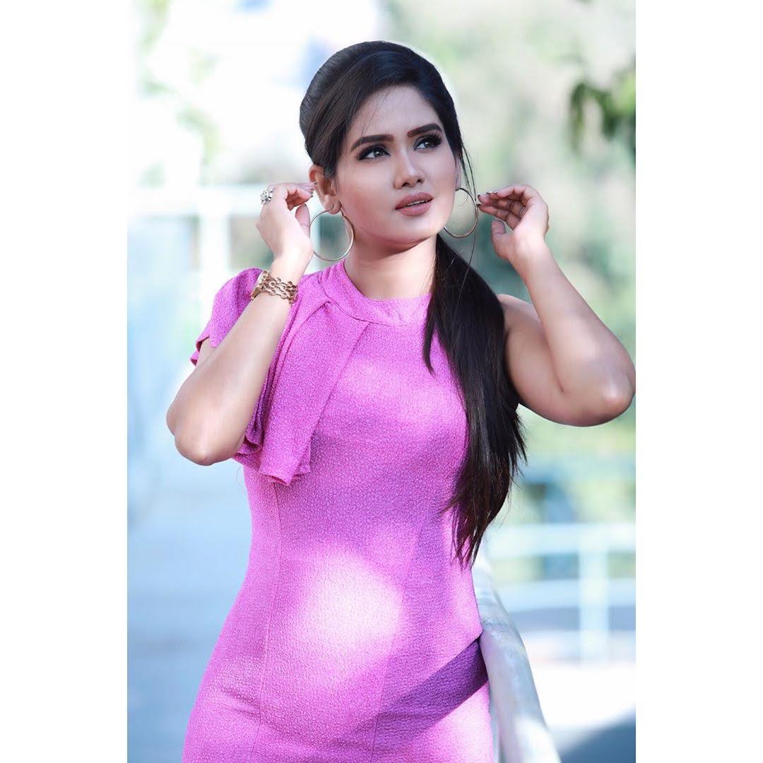 sai-gayatri-bhuvanesh-8690