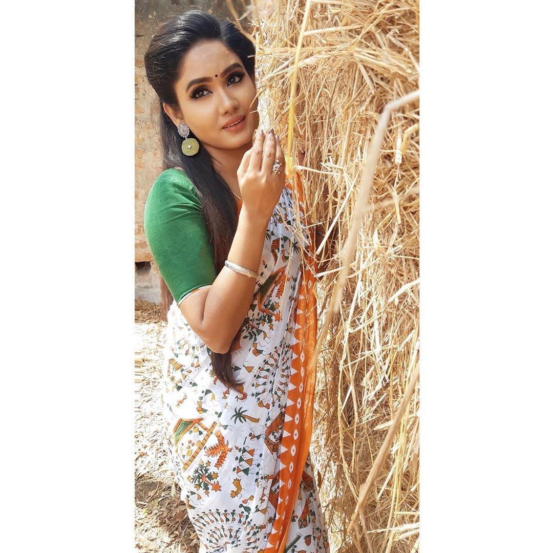 sai-gayatri-bhuvanesh-8695