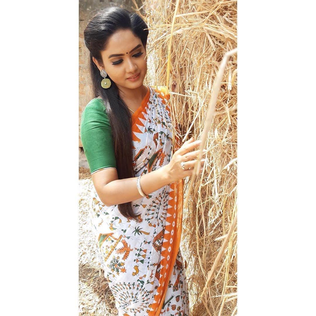 sai-gayatri-bhuvanesh-8701