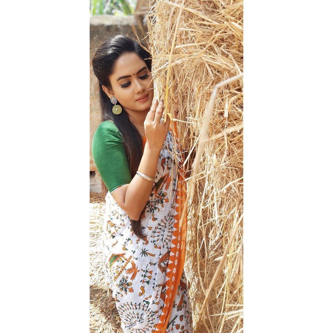sai-gayatri-bhuvanesh-8702