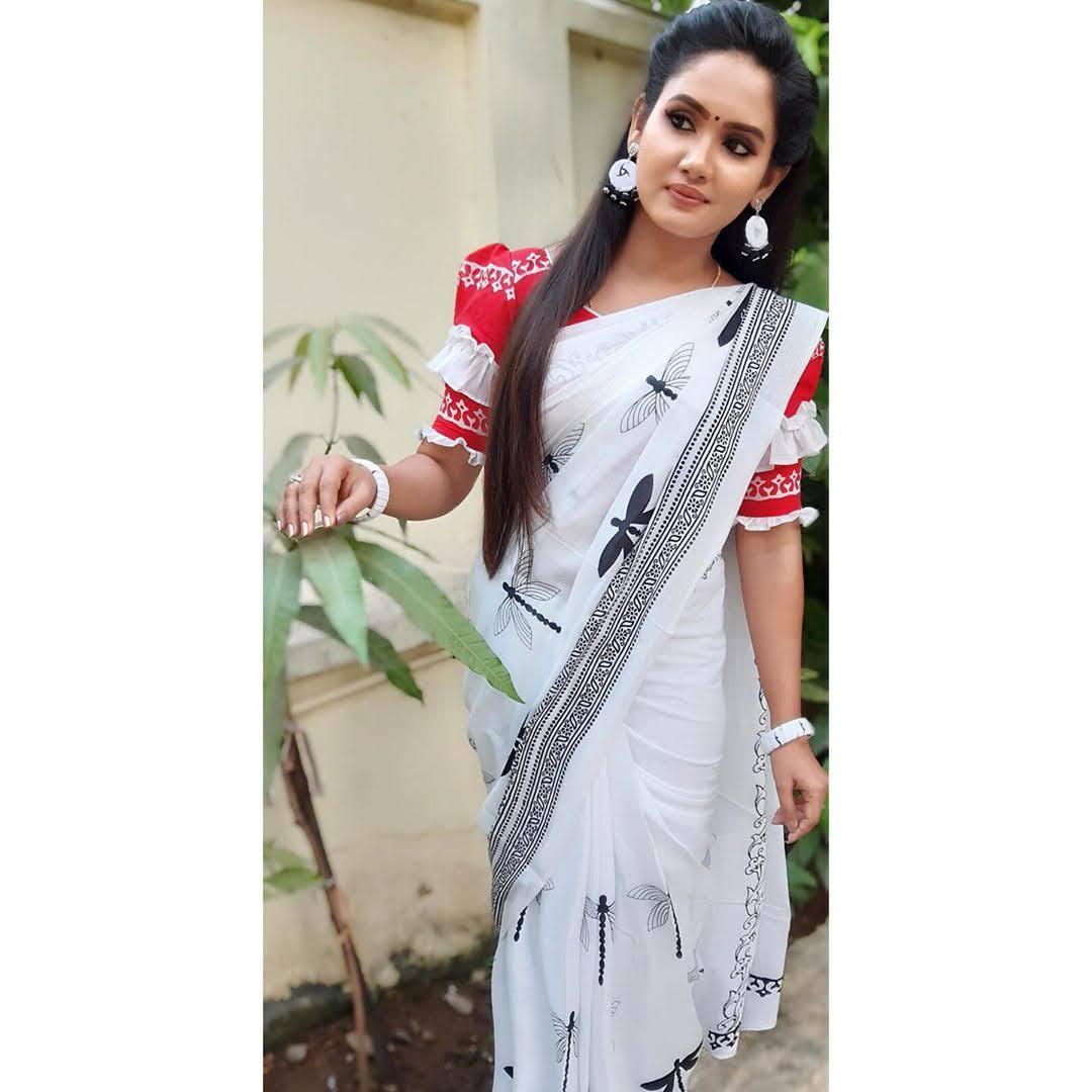 sai-gayatri-bhuvanesh-8709