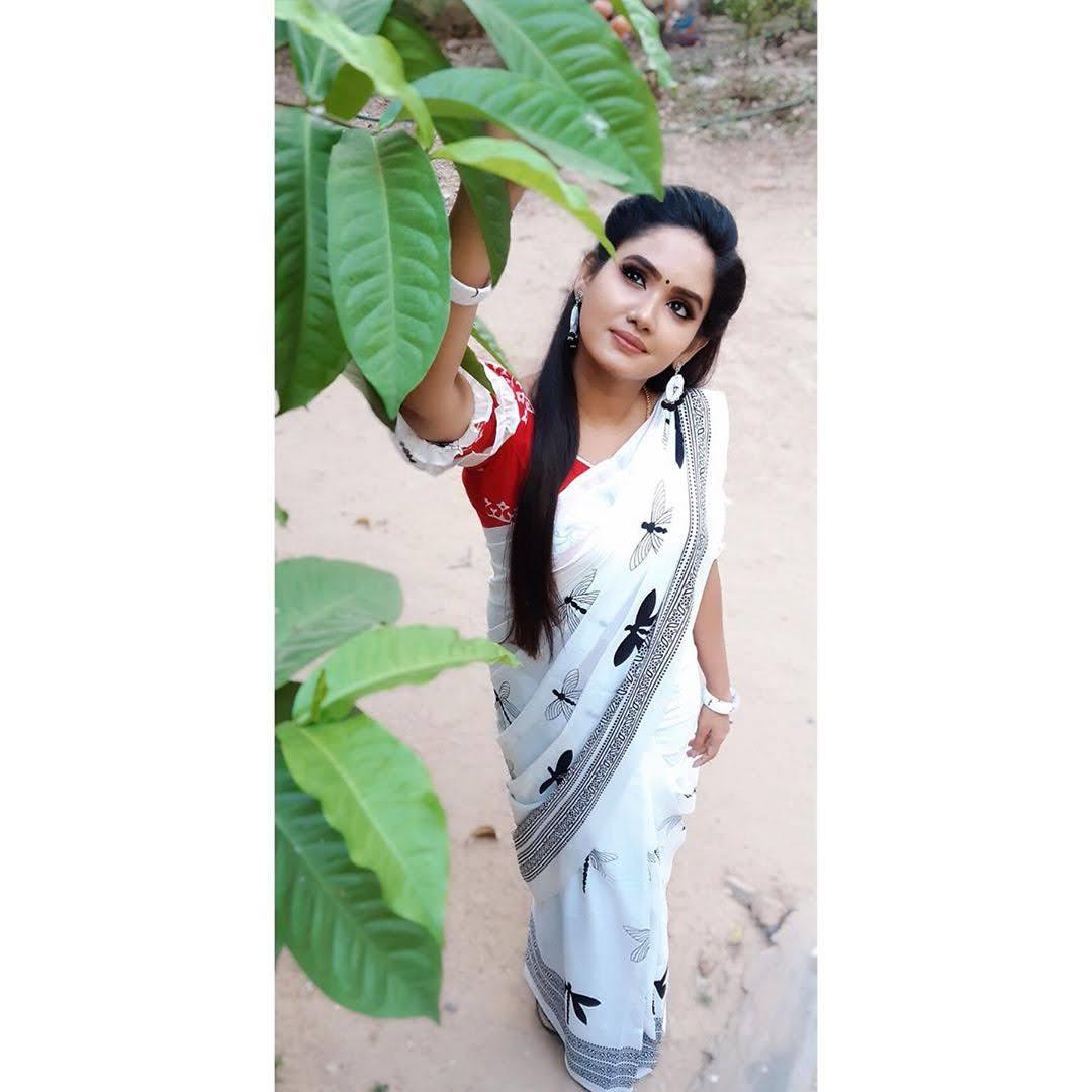sai-gayatri-bhuvanesh-8710