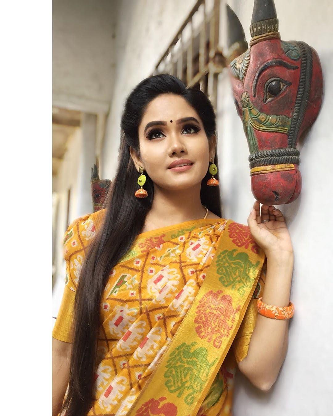 sai-gayatri-bhuvanesh-8712