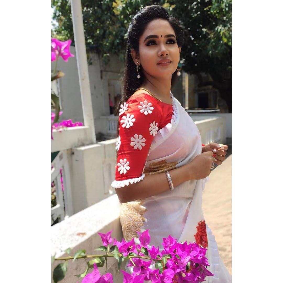 sai-gayatri-bhuvanesh-8718