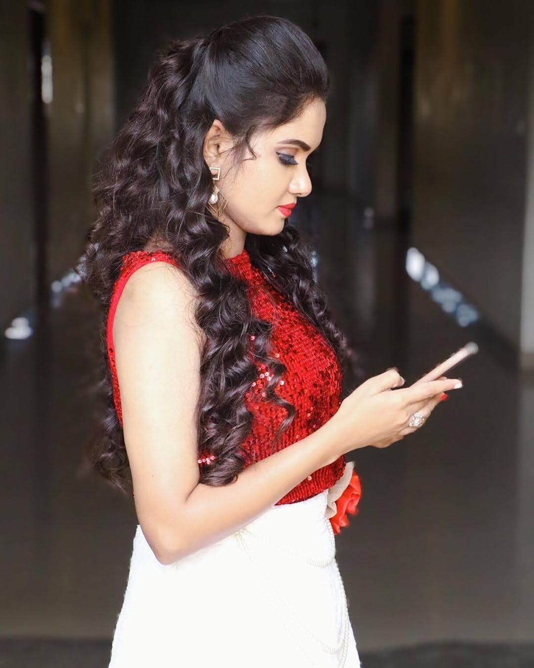 sai-gayatri-bhuvanesh-8737