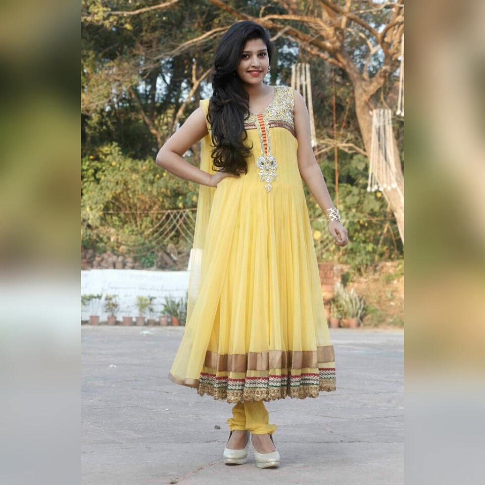 shreya-anchan_thirumanam-heroine-29