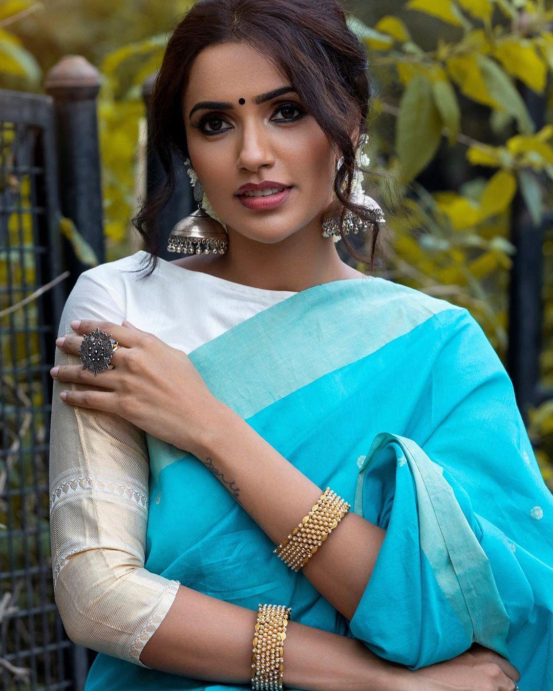Akshara Gowda Latest Saree Photos (13)