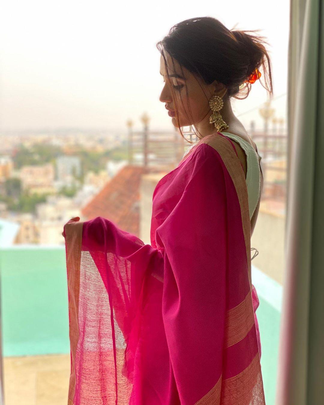 Akshara Gowda Latest Saree Photos (6)