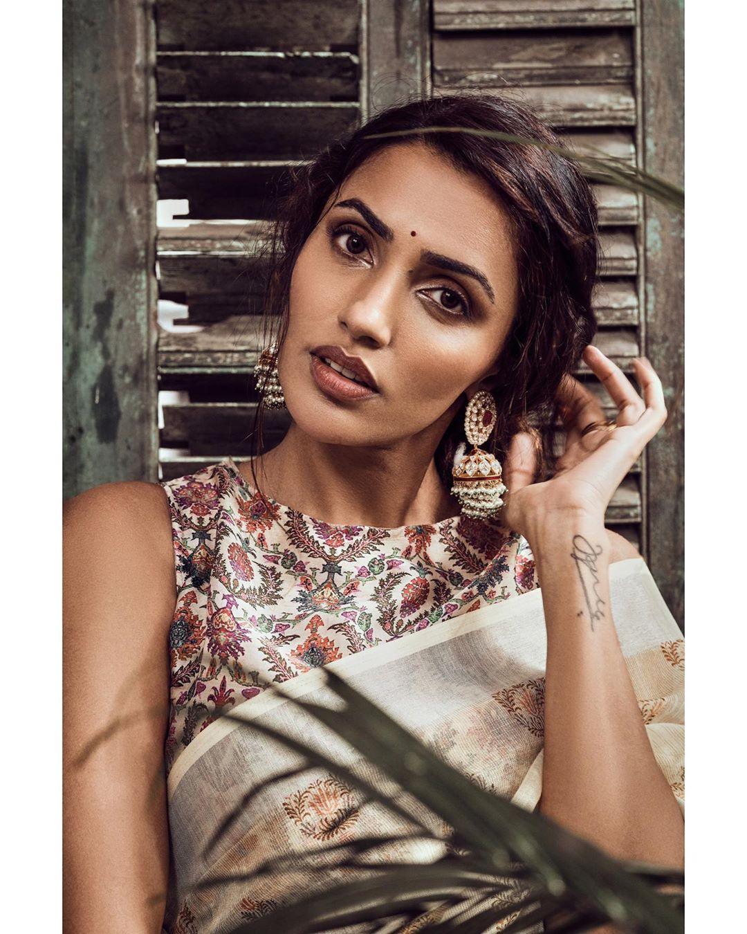 Akshara Gowda Latest Saree Photos (8)