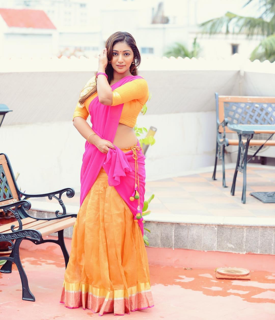 Bommu Lakshmi photos (10)