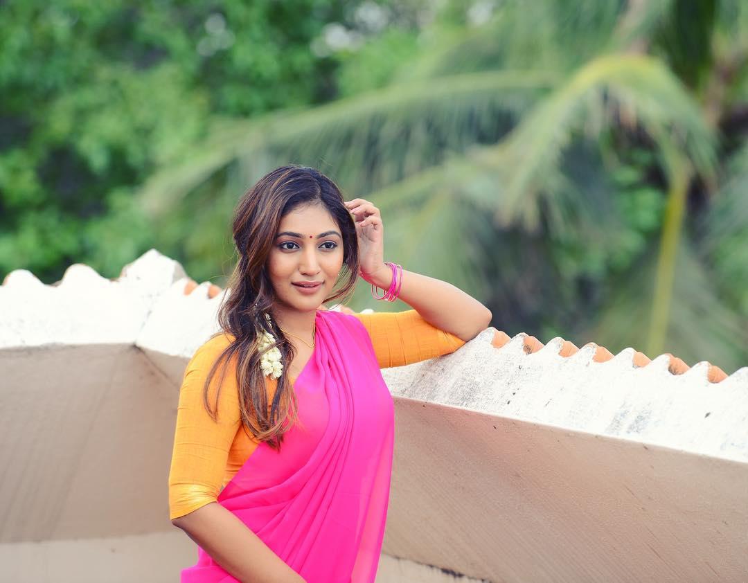 Bommu Lakshmi photos (11)