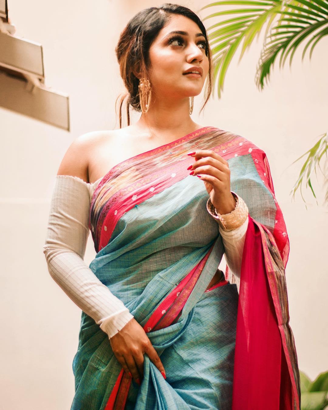 Bommu Lakshmi photos (13)