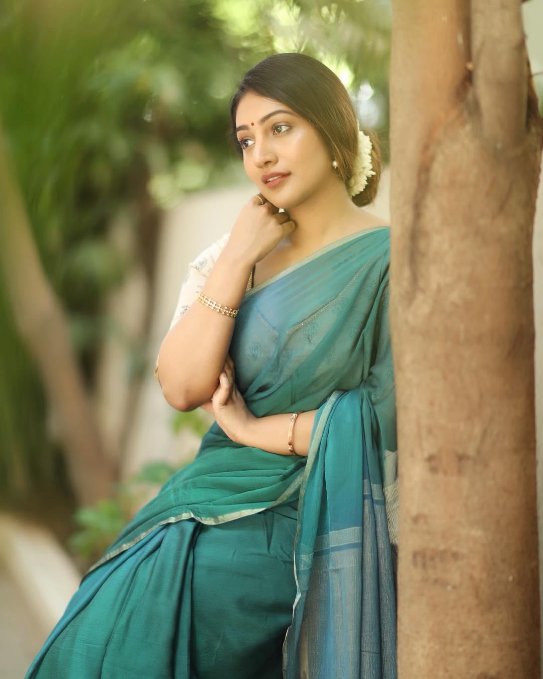 Bommu Lakshmi photos (18)