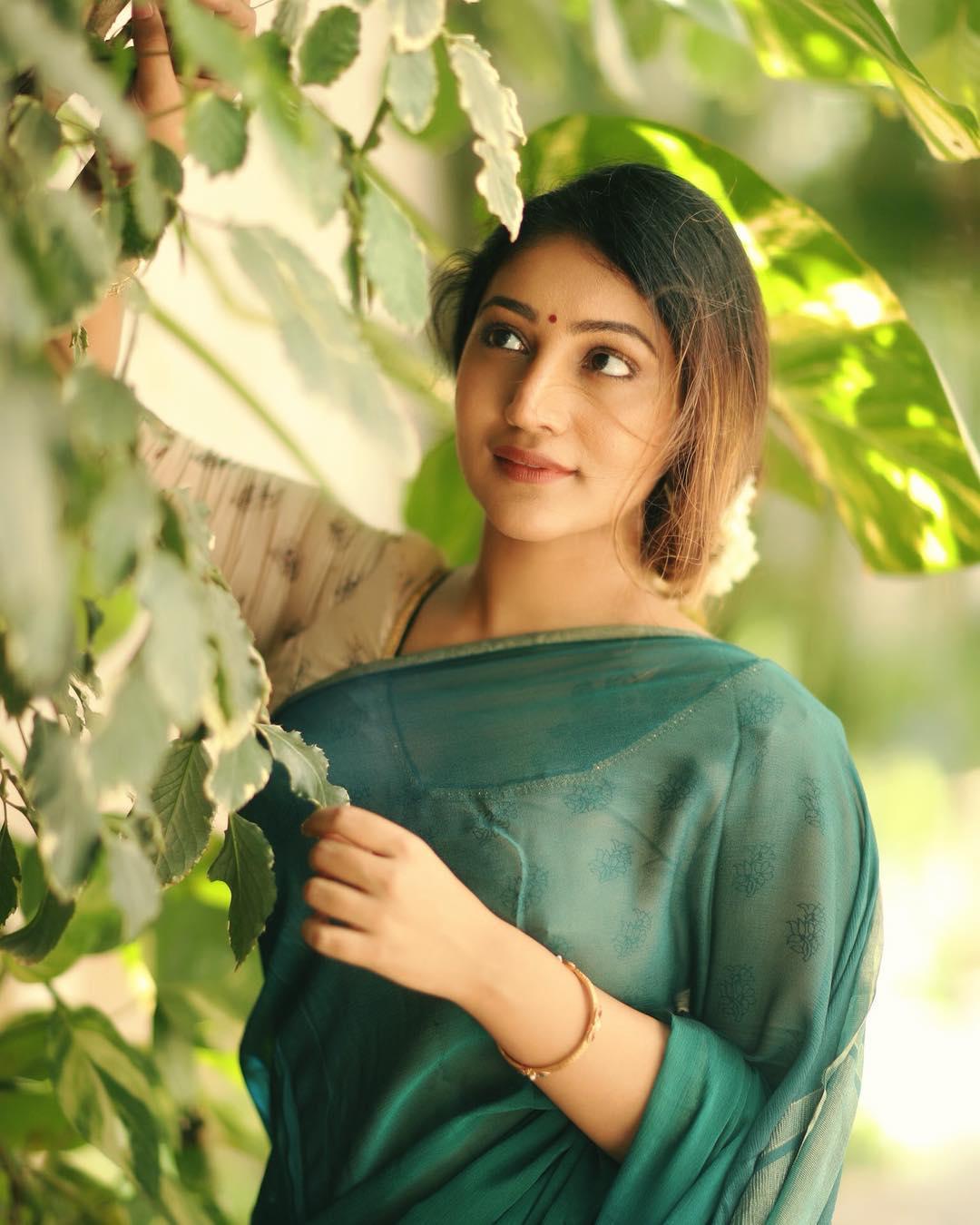 Bommu Lakshmi photos (20)