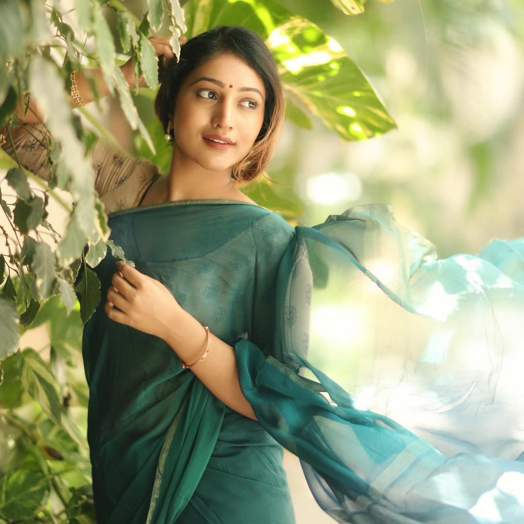 Bommu Lakshmi photos (21)