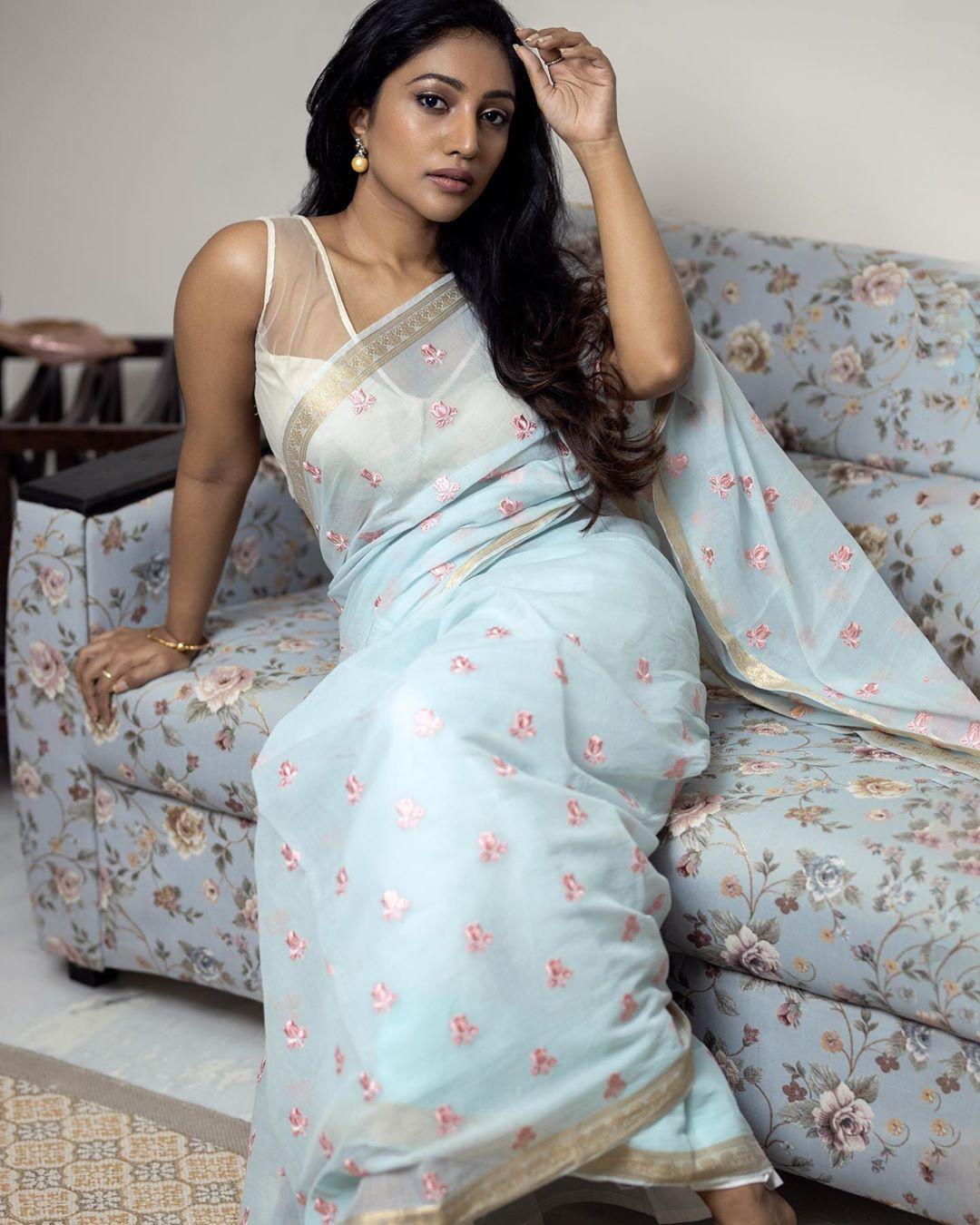 Bommu Lakshmi photos (50)