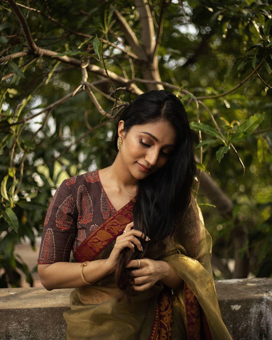 Bommu Lakshmi photos (52)