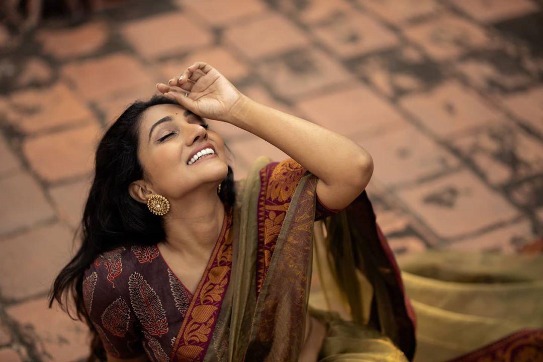 Bommu Lakshmi photos (57)