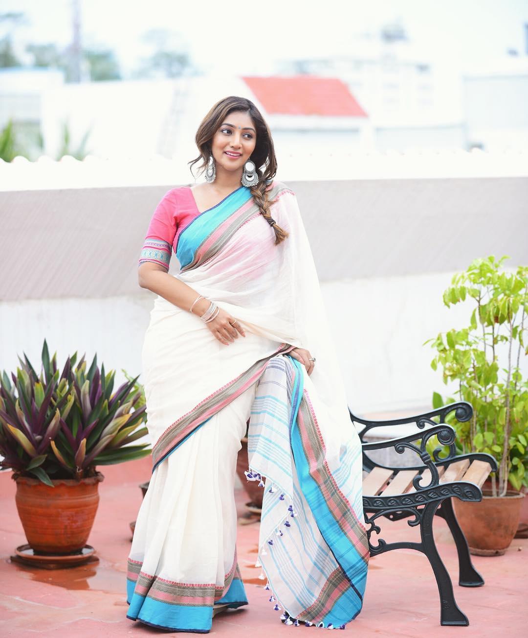 Bommu Lakshmi photos (7)