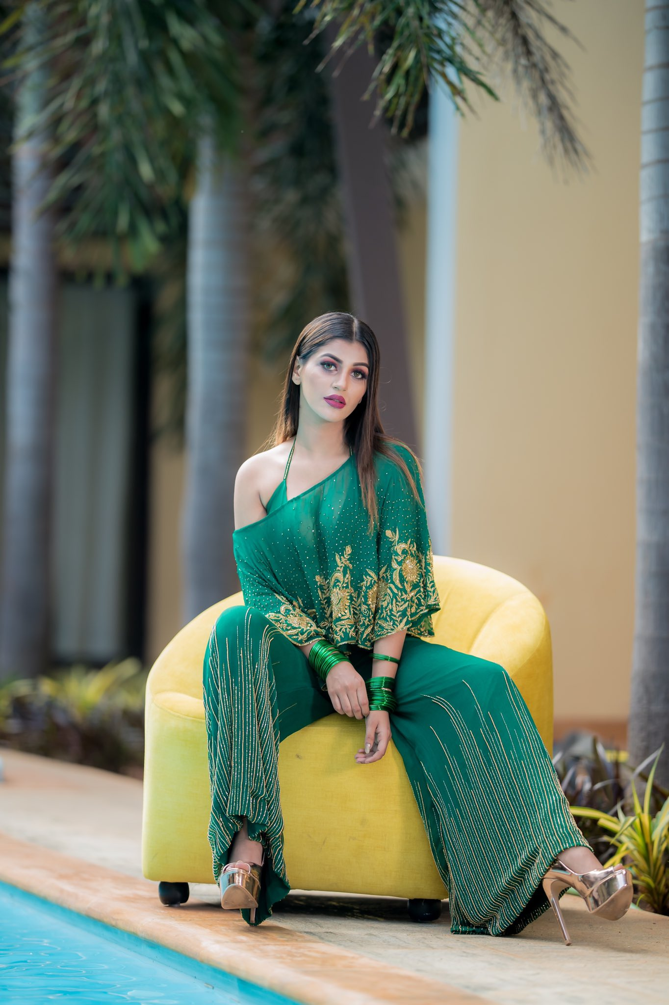 Latest photos of Big Boss Actress Yashika Aannand
