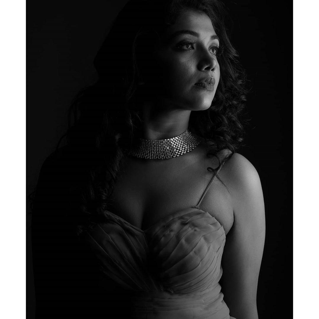 Riythvika Instagram Photos hd (8)