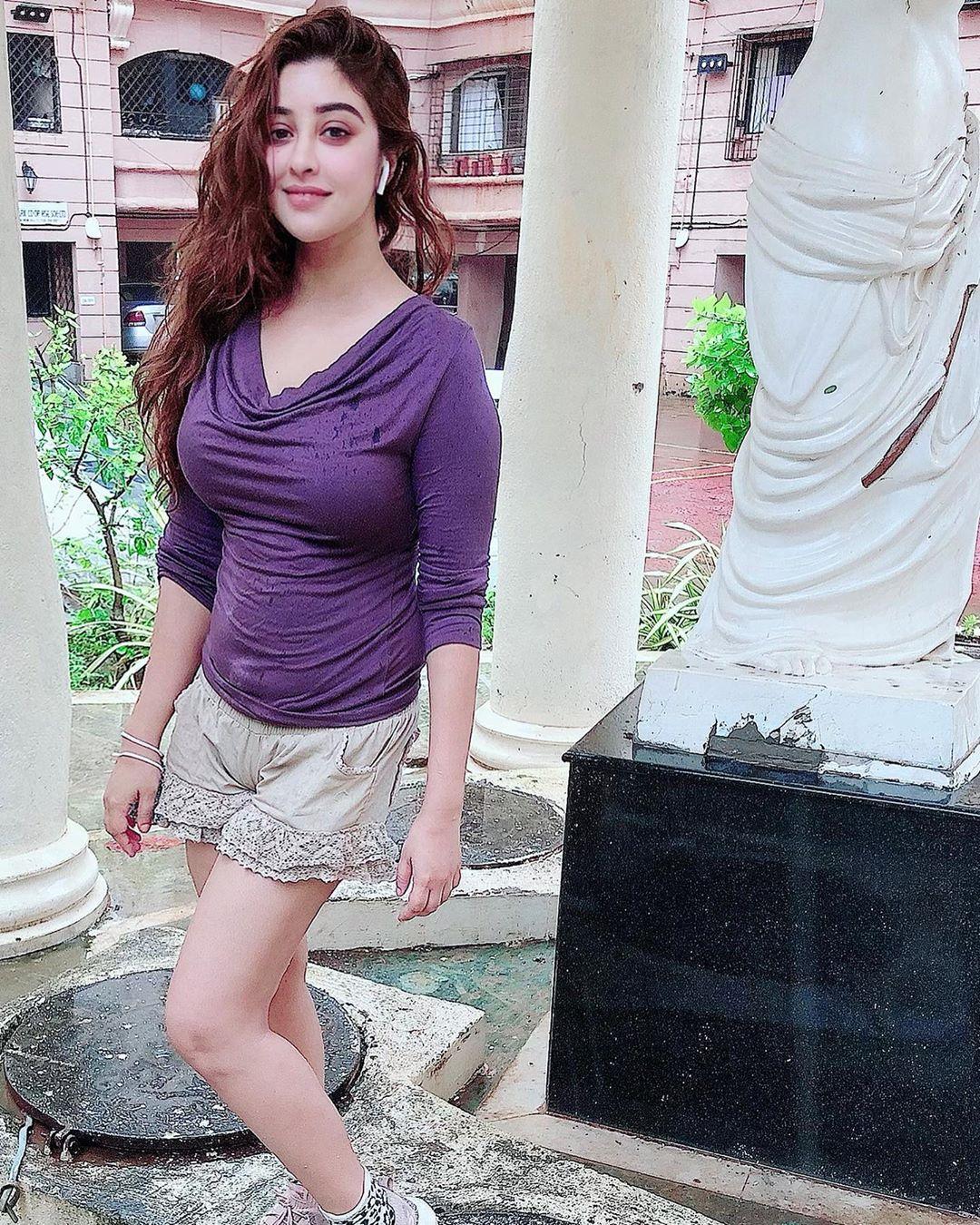 payal ghosh instagram photos (36)