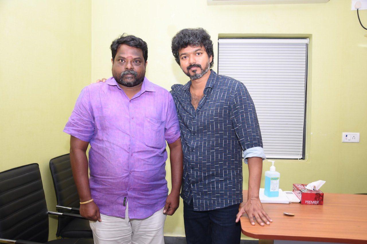 Actor Vijay meets Iyakkam office bearers and members_10