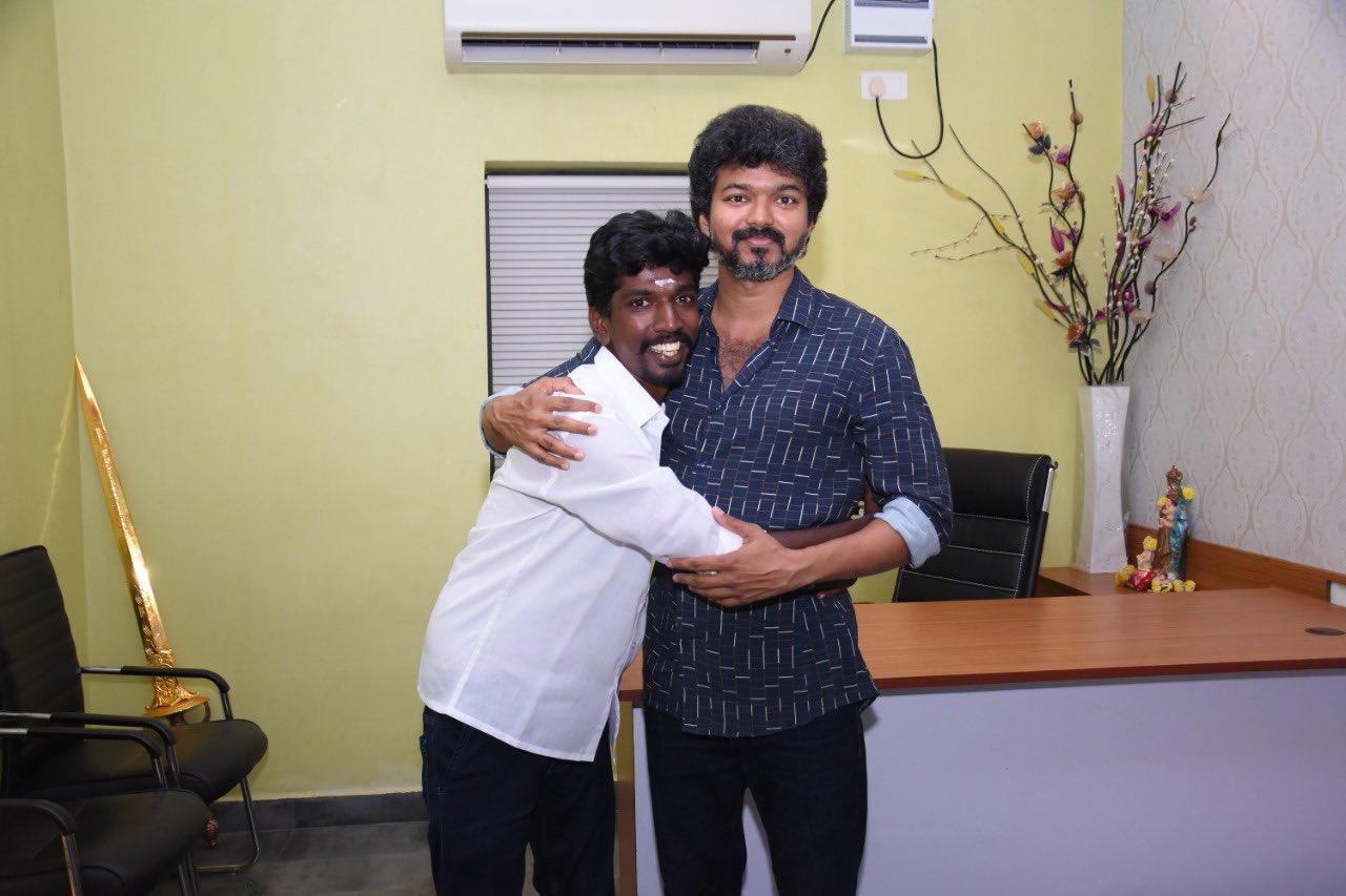 Actor Vijay meets Iyakkam office bearers and members_11