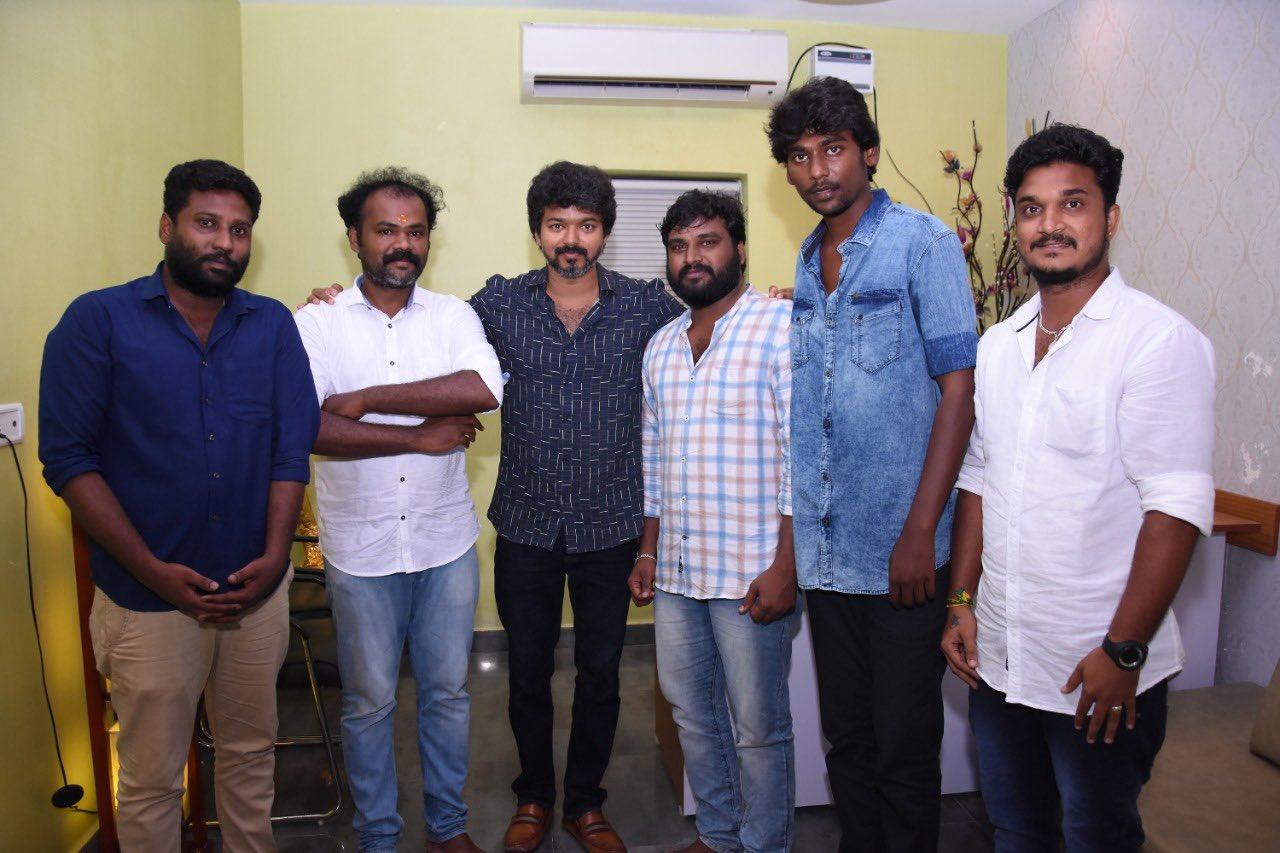 Actor Vijay meets Iyakkam office bearers and members_6