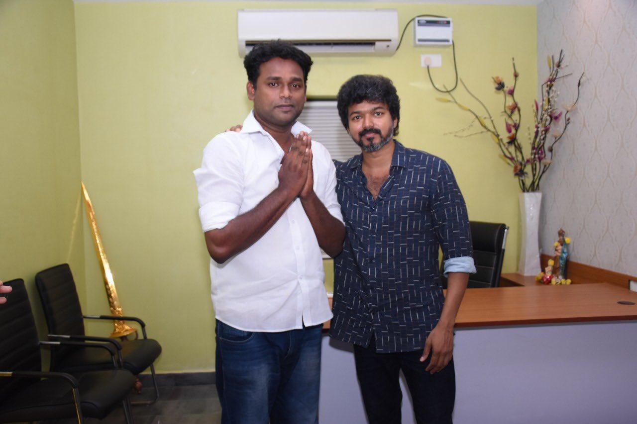 Actor Vijay meets Iyakkam office bearers and members_7