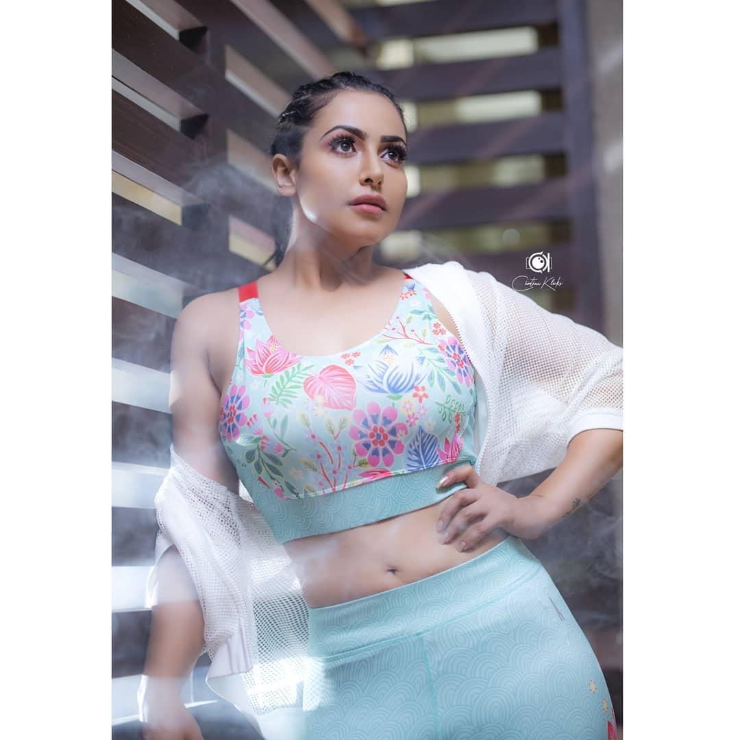 Actress Nandini Rai Latest Photos (1)