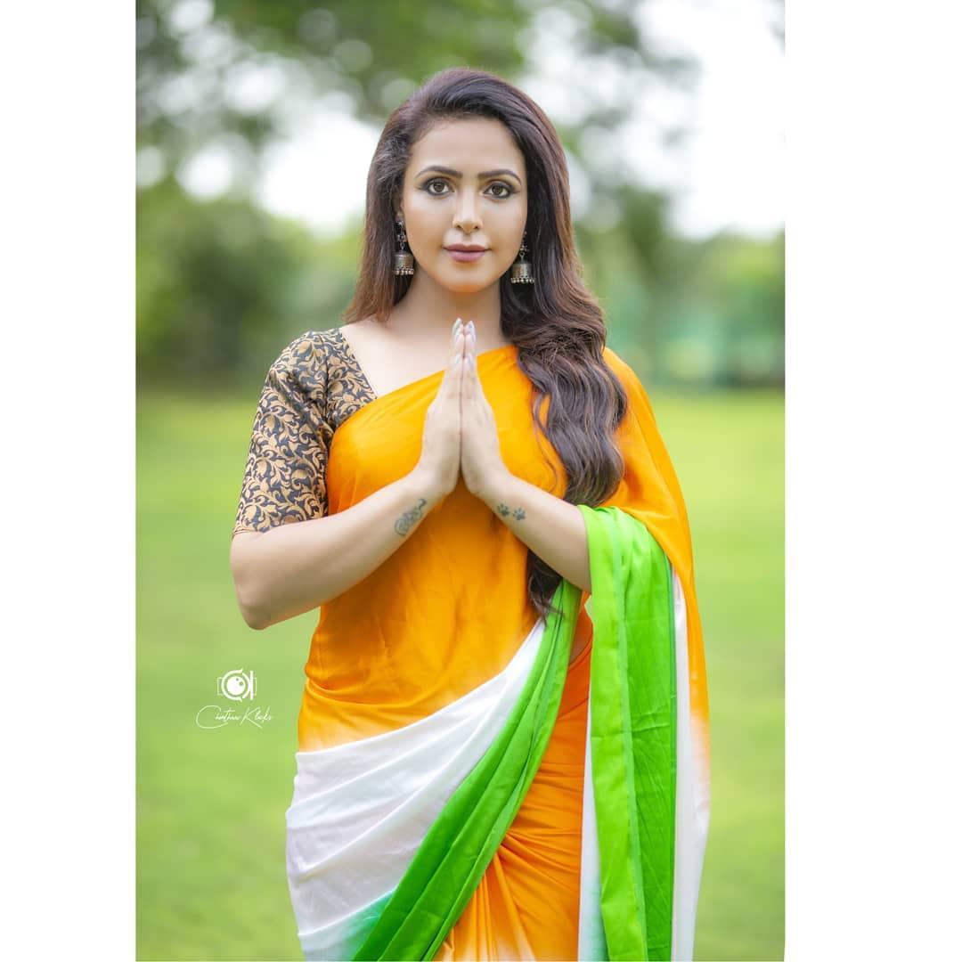Actress Nandini Rai Latest Photos (10)