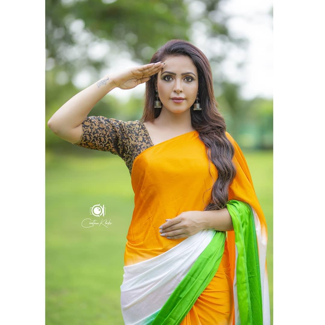Actress Nandini Rai Latest Photos (11)