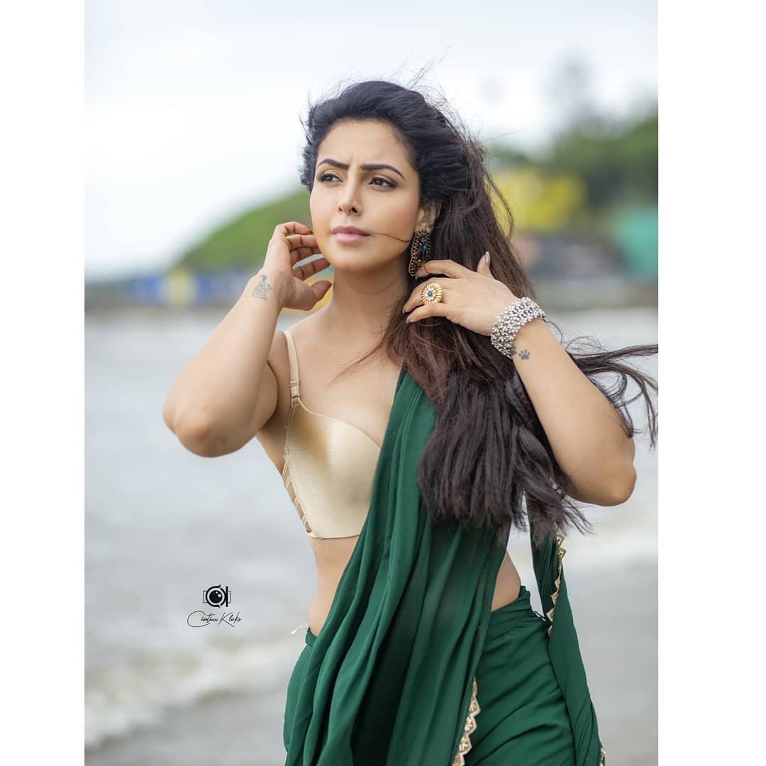 Actress Nandini Rai Latest Photos (13)