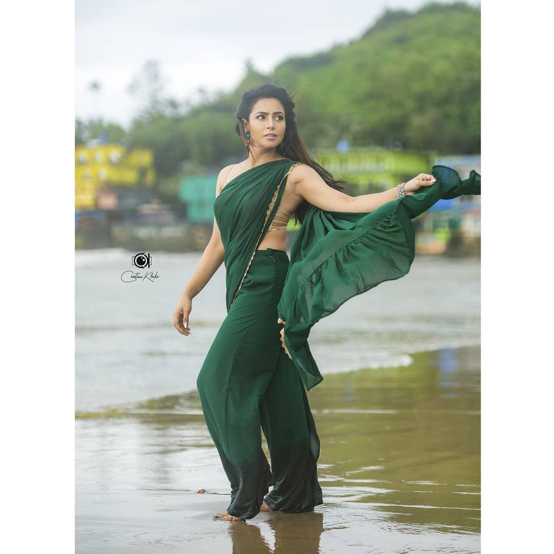 Actress Nandini Rai Latest Photos (17)