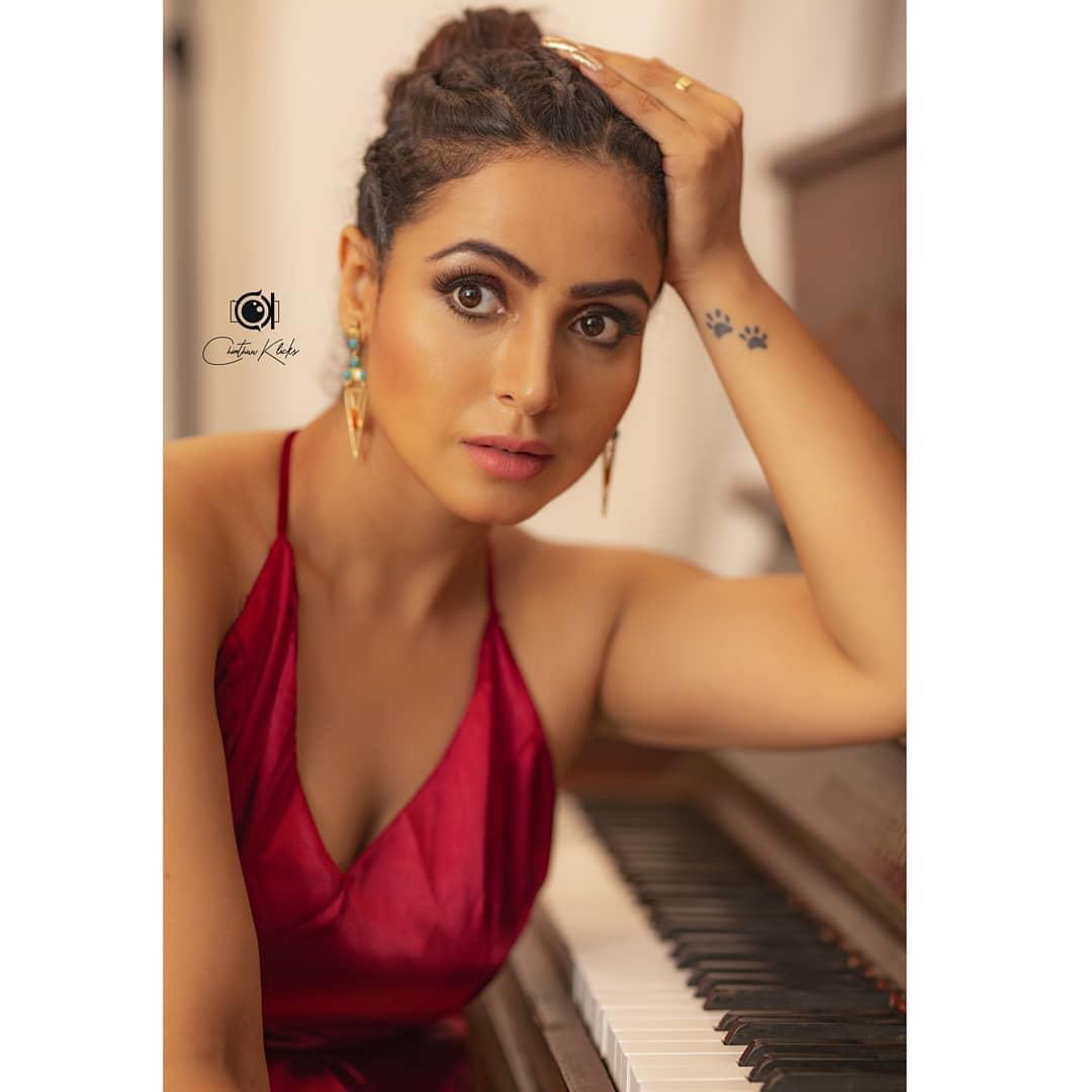 Actress Nandini Rai Latest Photos (18)