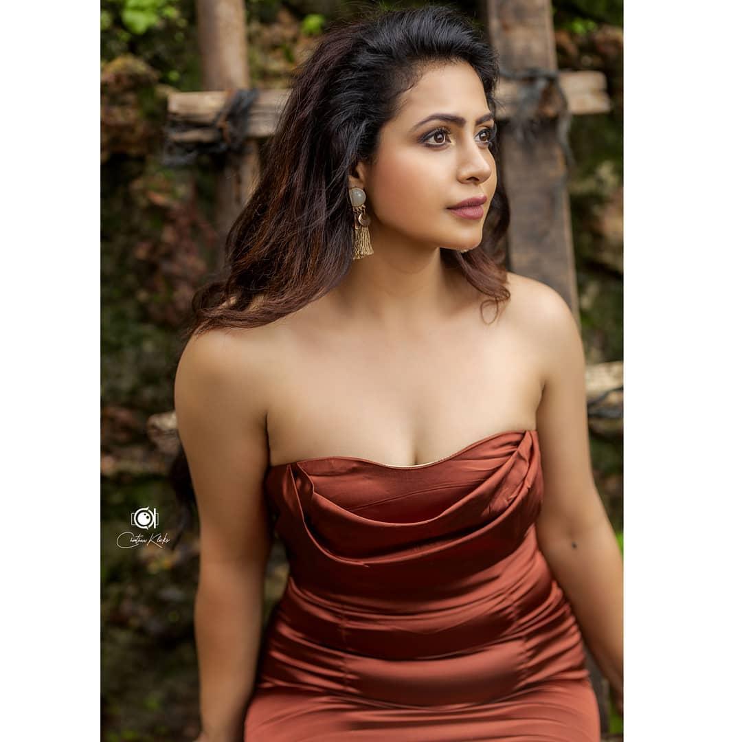 Actress Nandini Rai Latest Photos (22)
