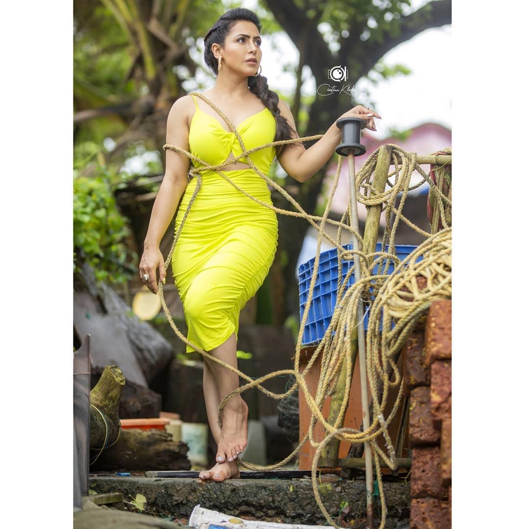 Actress Nandini Rai Latest Photos (26)