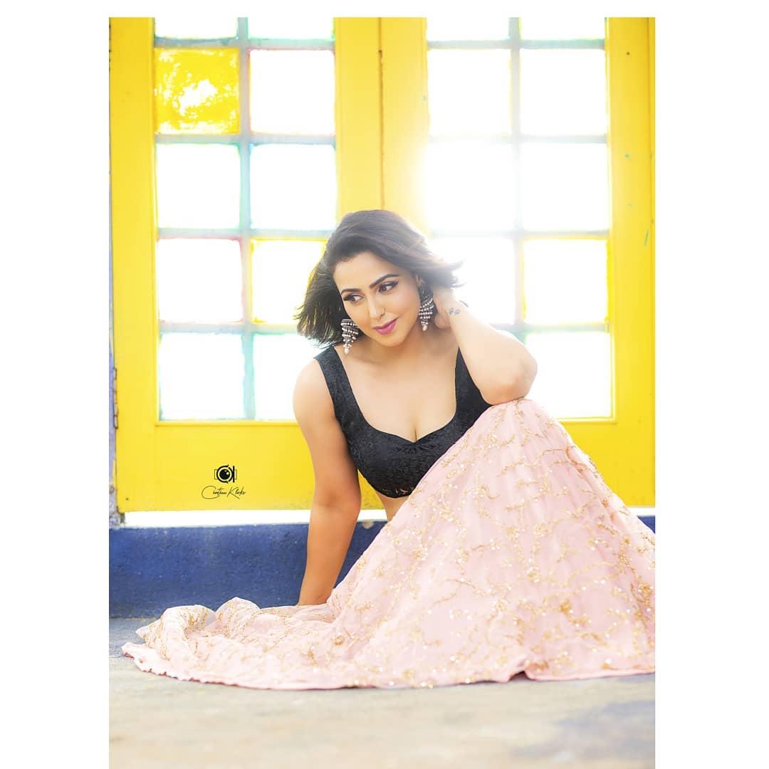 Actress Nandini Rai Latest Photos (3)