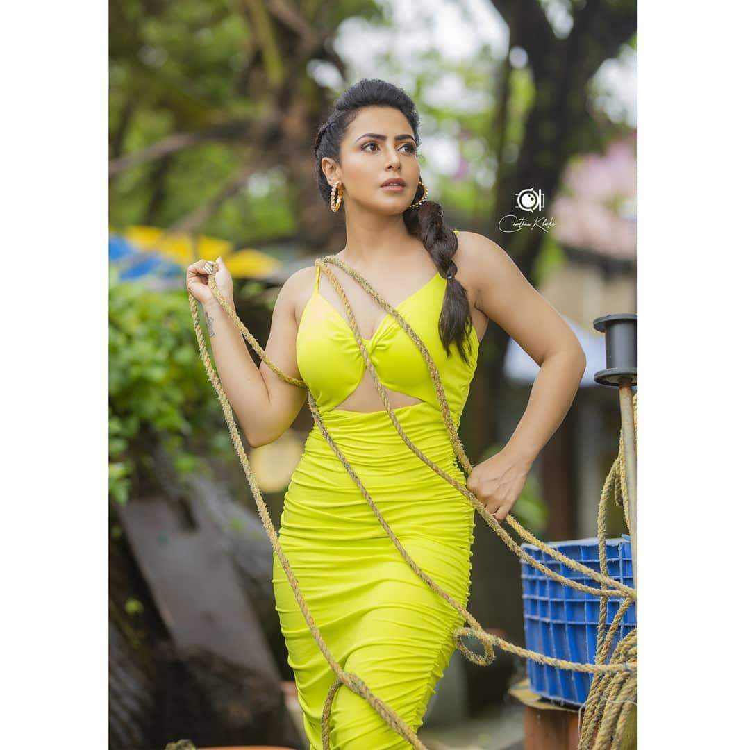 Actress Nandini Rai Latest Photos (31)