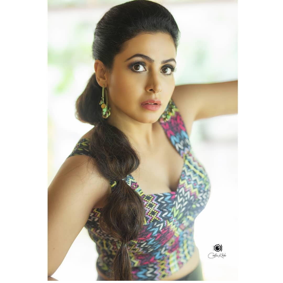 Actress Nandini Rai Latest Photos (32)