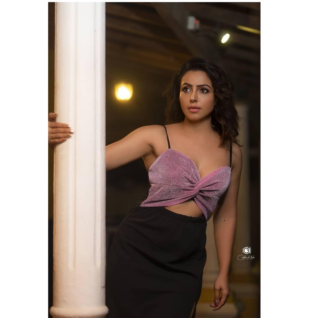 Actress Nandini Rai Latest Photos (41)