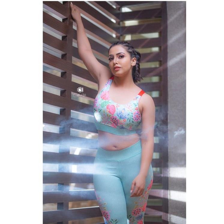 Actress Nandini Rai Latest Photos (5)