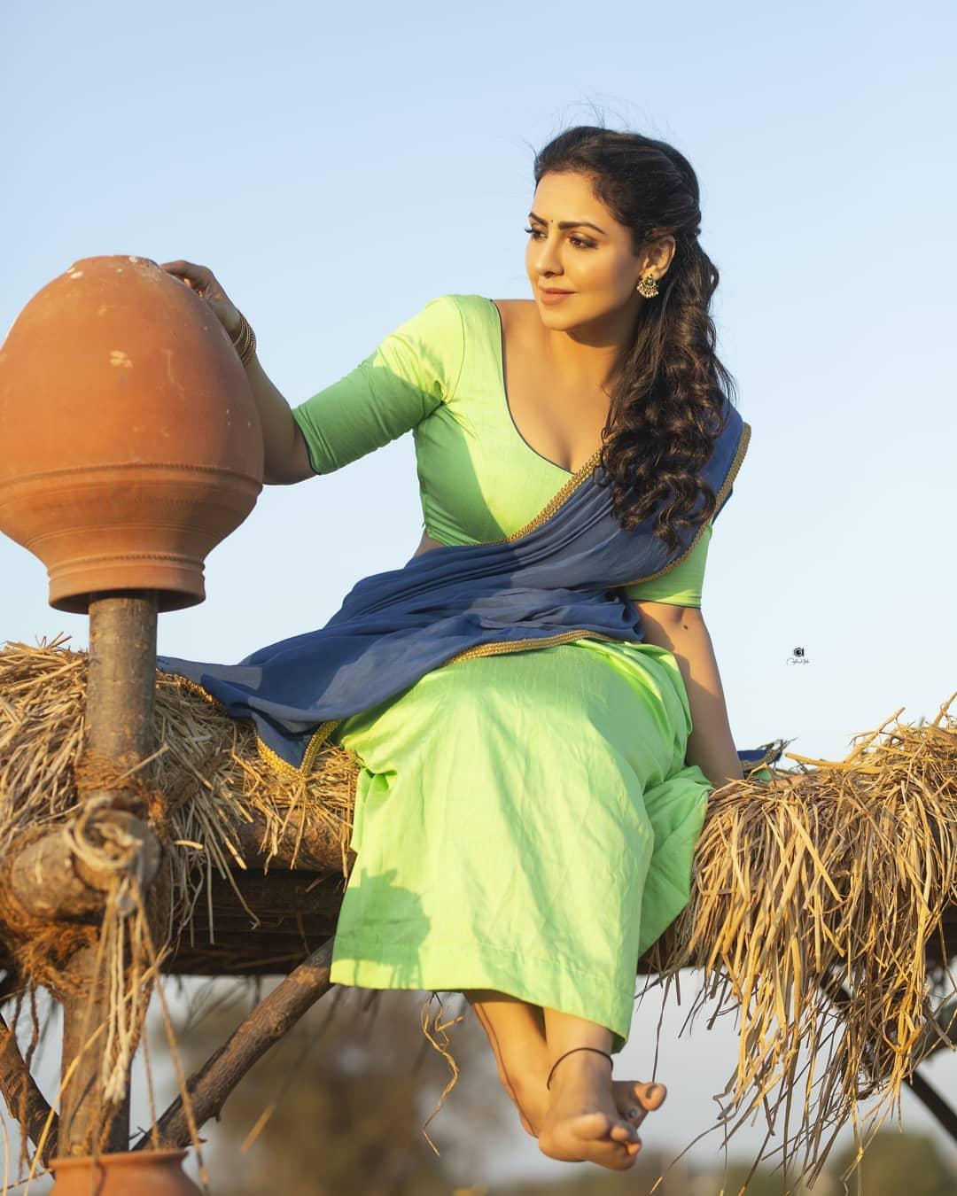 Actress Nandini Rai Latest Photos (54)