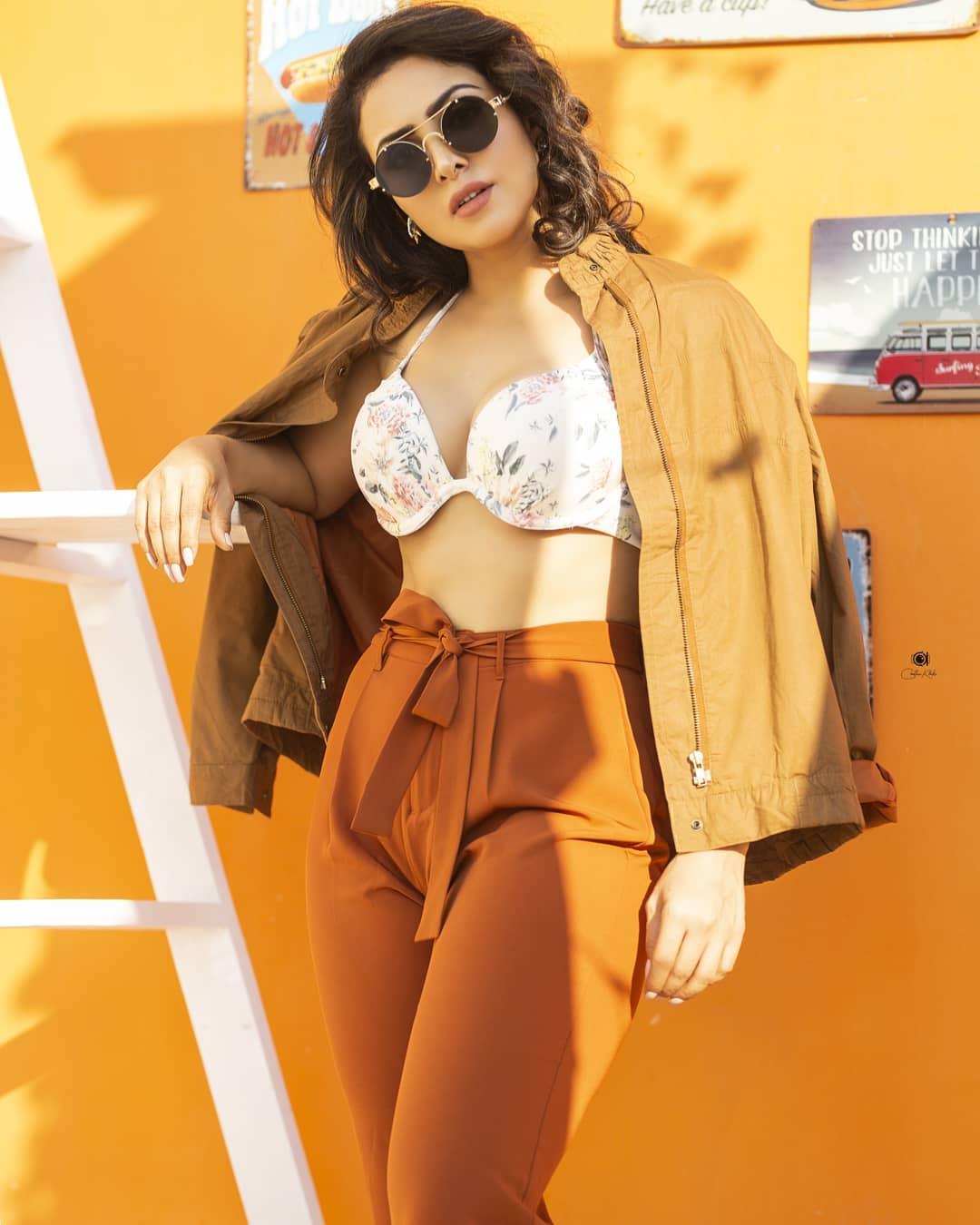Actress Nandini Rai Latest Photos (58)
